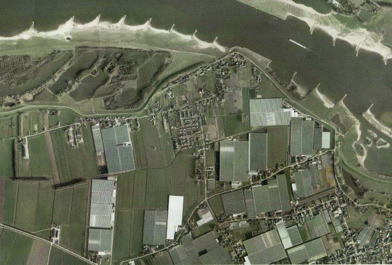 Luchtfoto Nieuwaal 2010